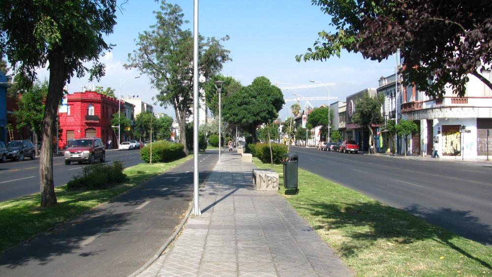 bandejon-central-avenida-matta-foto-por-plataforma-urbana-1000x563